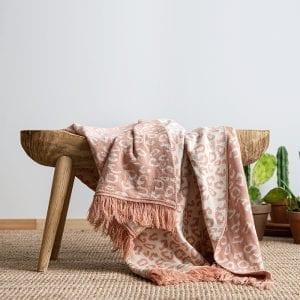 Malala blanket – coral pink