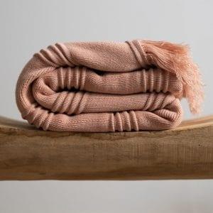 Marilyn blanket – coral pink